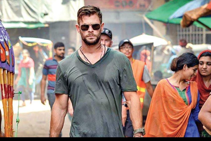 Extraction Full Movie Download in Hindi Dubbed Dual Audio