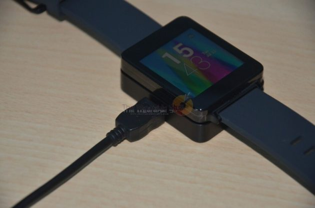LG G Watch Charging