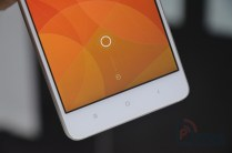 Xiaomi Mi4 Hands-on Front Bottom