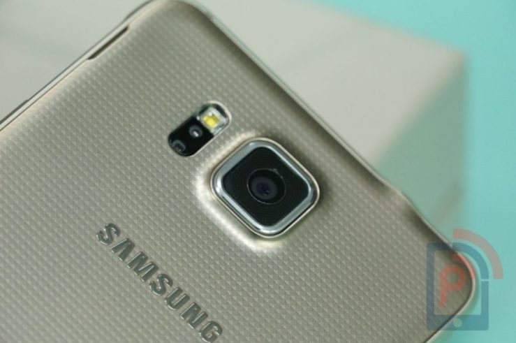 Samsung Galaxy Alpha Back Camera