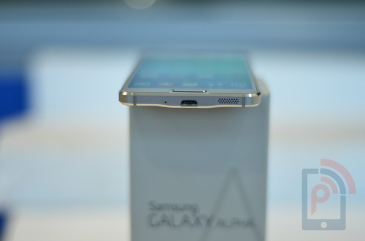 Samsung Galaxy Alpha Bottom