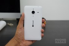 Microsoft Lumia 640 XL Hands-on Back