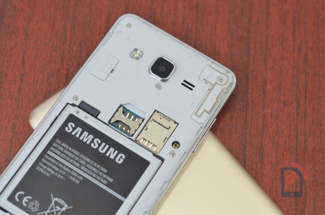 Samsung Galaxy ON5 - MicroSD and SIM Slots