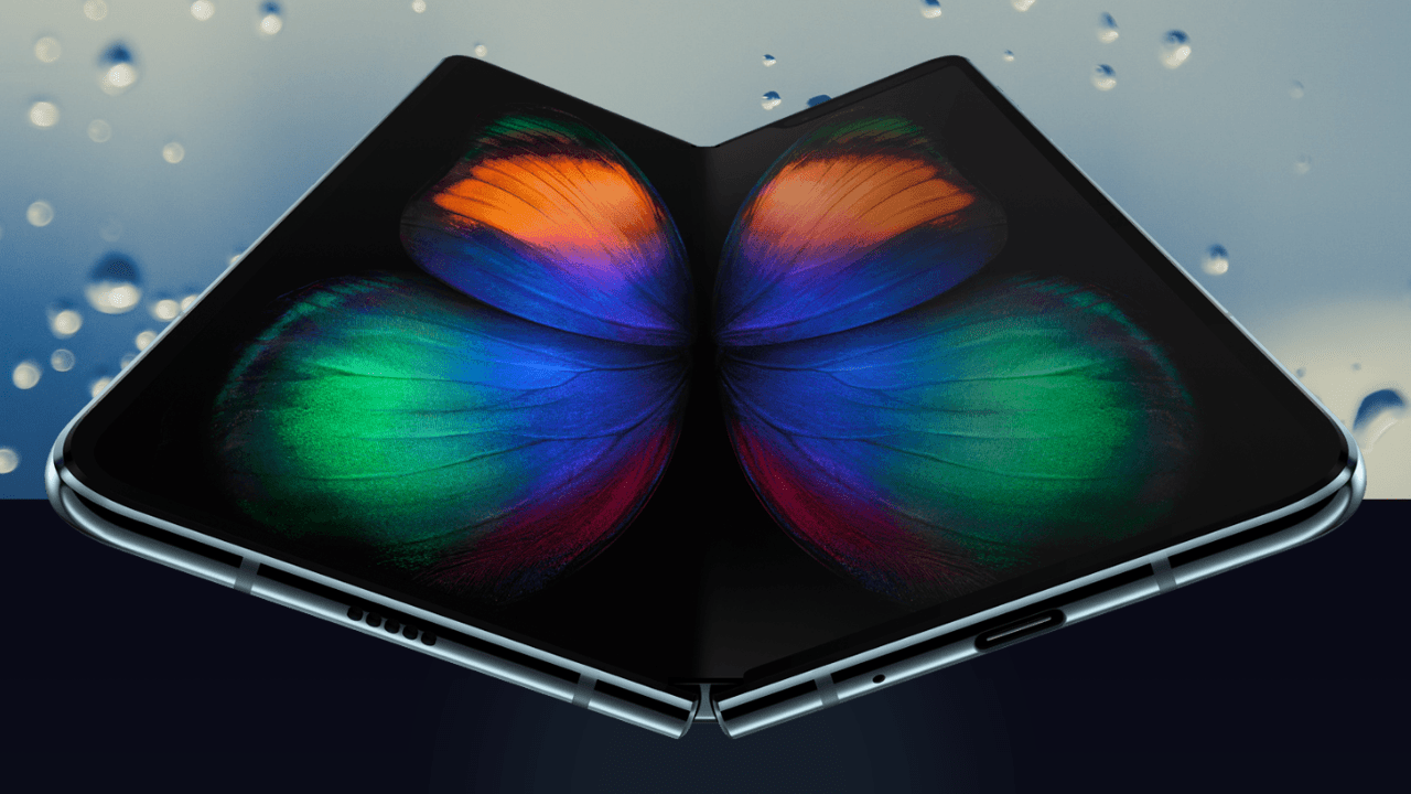 Samsung Galaxy Fold has a conspicuous crease, new video shows