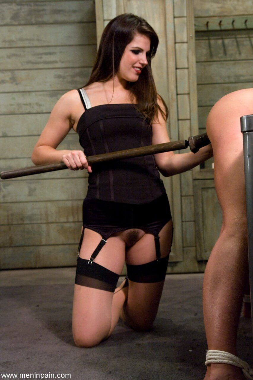 PIC White mistresses dominate black and mexican slaves