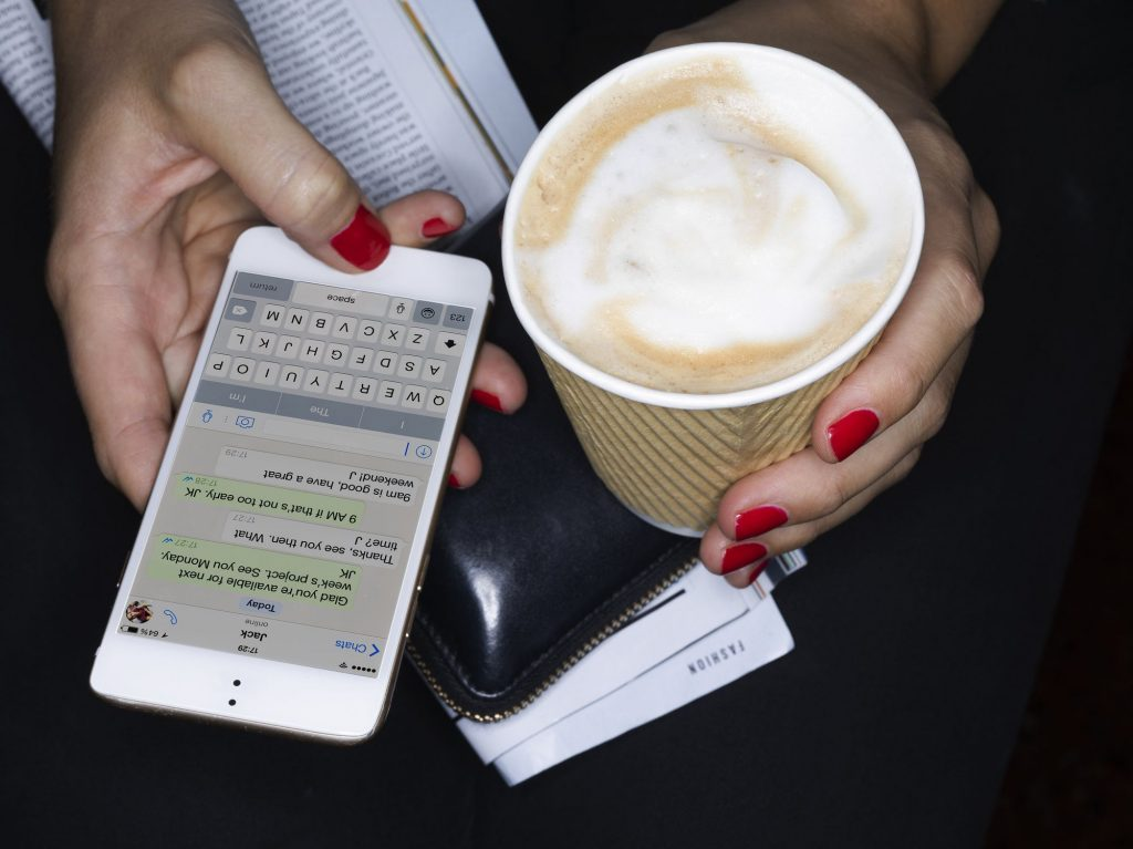 How to hack text messages without touching their cell phone