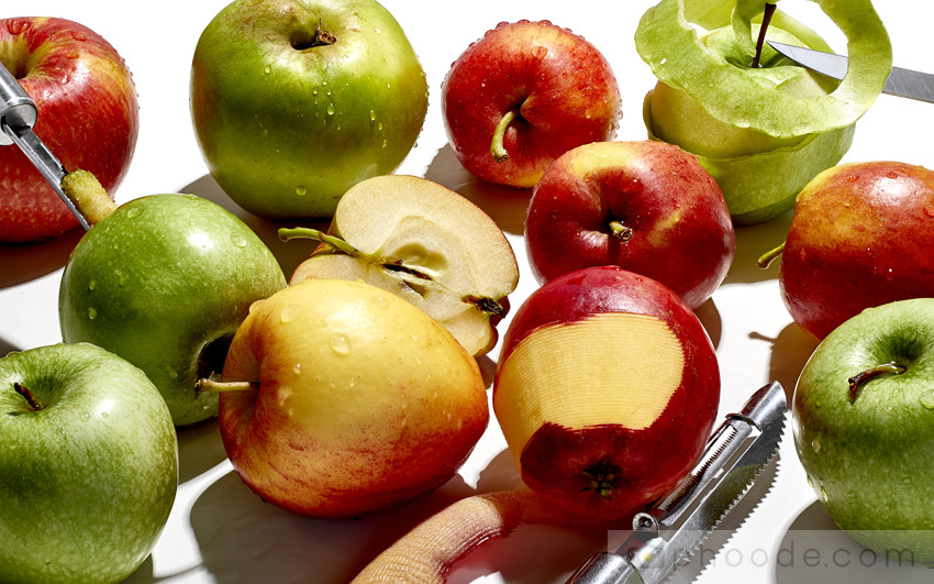 apple wedges, apples slices, apple peeling, apple peel, apple texture, apple washed, green apple, grant smith apple, gala apple, english apples, fresh apples, half of an apple, apple abstract, apple and knife, wet apple, wet apples, apple cooking, apple cutting, apple coring, apple colors, fall fruit, apple peeling, apple prep,