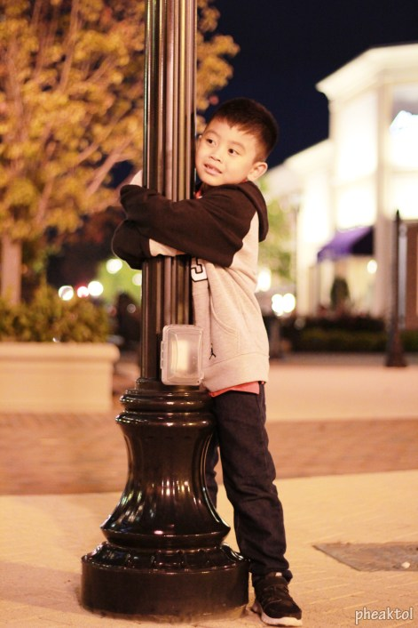 sean hugging pole