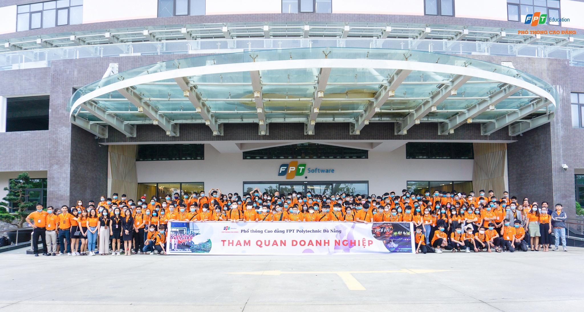 Gần 300 Sinh viên Phổ thông Cao đẳng Đà Nẵng ghé thăm FPT Software