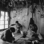 1960年ごろ 岩宮武二『佐渡』《竹細工》