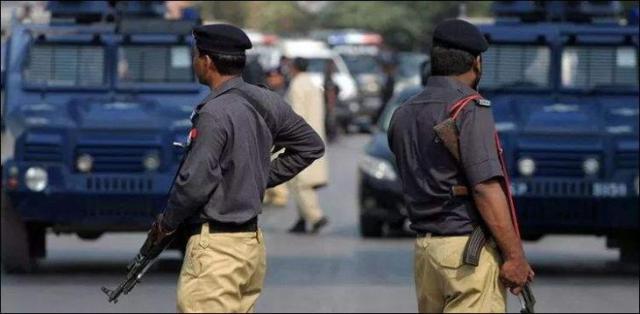 Police arrested robber after encounter