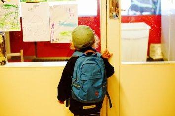 à la porte de la classe rentrée scolaire