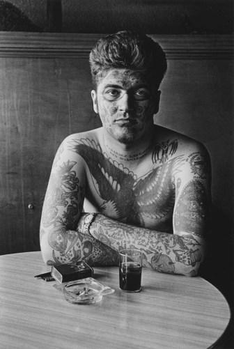 femmes photographes diane arbus tatoué