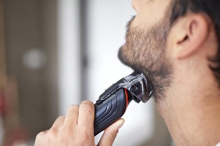 가정에서 이발 수염