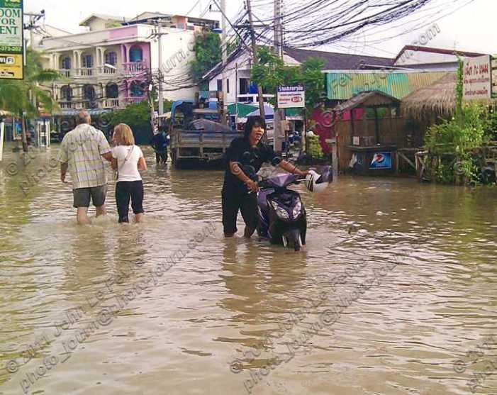 2011 Thailand flood could be more destructive than Asian Economic Crisis