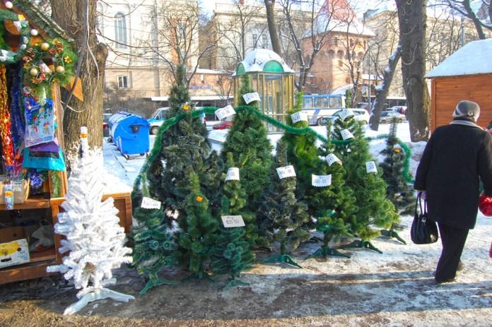 Різвяний ярмарок 2010 у Львові розпочав свою роботу.