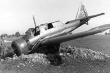 Львів, пошкоджений літак на аеродромі, вересень 1939 року.