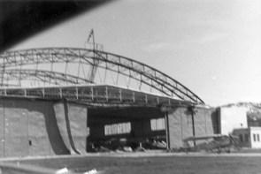 Львів, пошкоджених ангар літака на аеродромі у вересні 1939 року