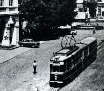 Трамвай «Gotha G4-61» на площі Ринок (1975)