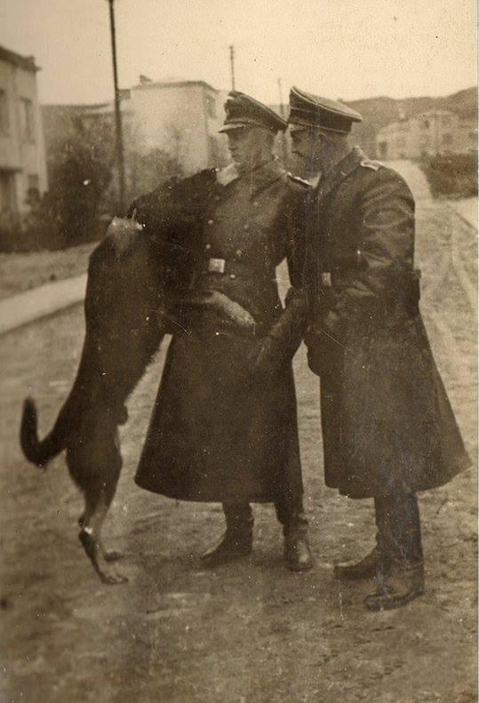 Янівський концтабір. Гауптшарфюрер Фіхтнер і шарфюрер Міллер 1942-1943 рр.