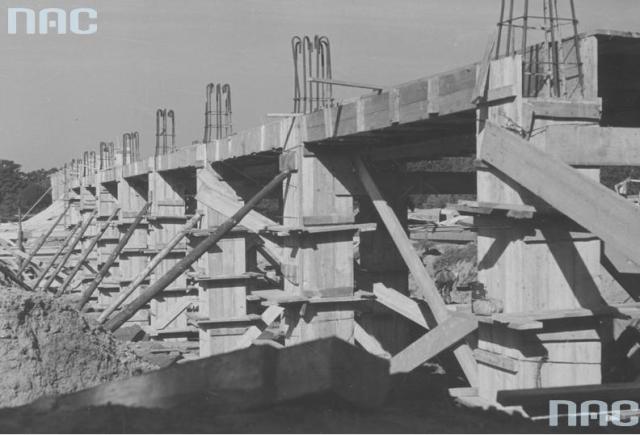 Будівництво нових будівель факультету машинобудування та електротехніки, 1938