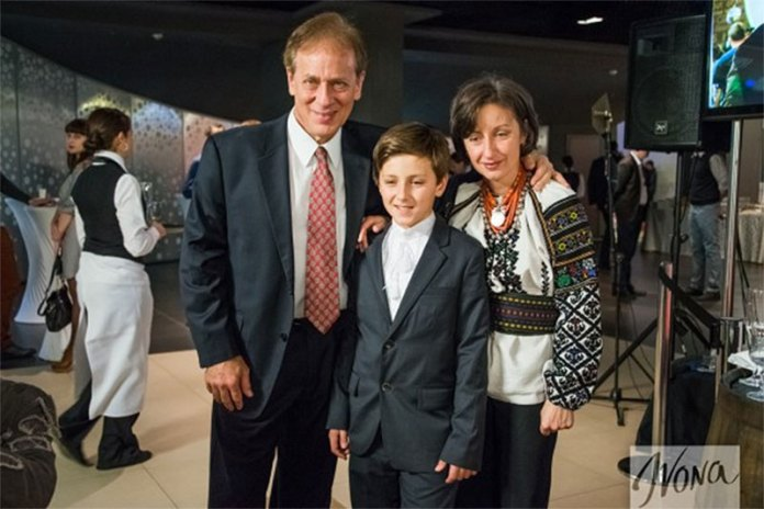 Антон-Святослав Грін з батьками
