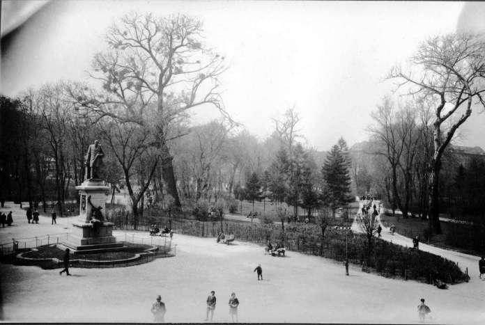Поєзуїтський сад ( нин парк Франка ), фото до 1939 р.
