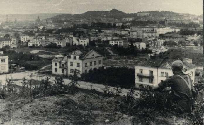 Панорама на місто з р - ну вул. Зеленої, 30 червня 1941 року