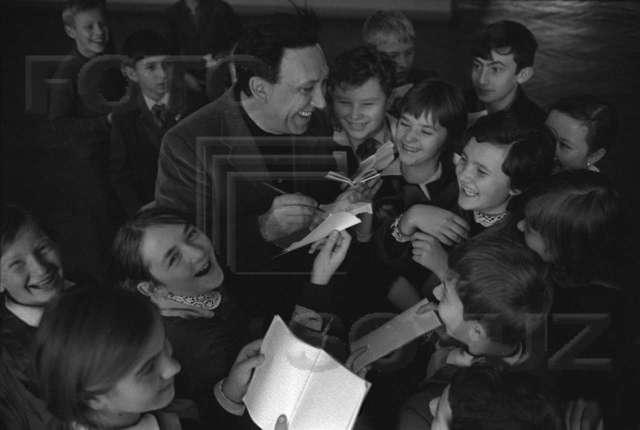 Під час візиту Ю. Нікуліна до львівських шкіл, 1970 рік