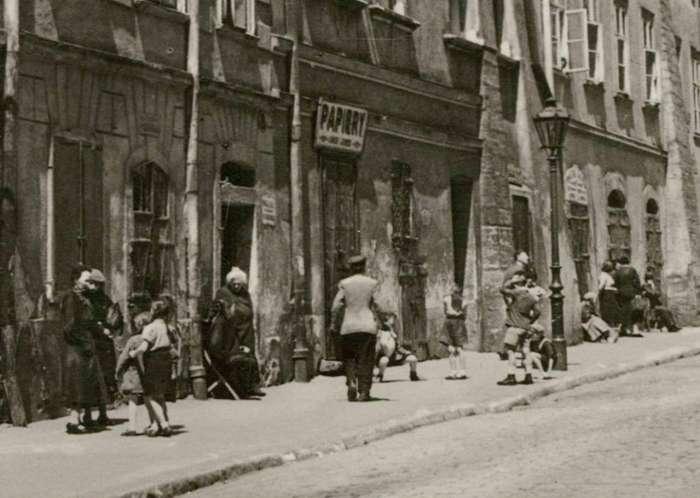 На вул. Бляхарська ( нин. І. Федорова ), пер. пол 1930 - х рр.