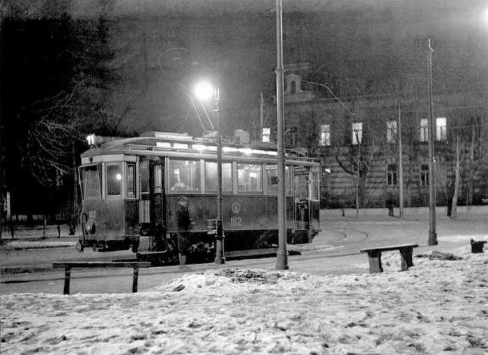 Нічна сцена на вул. св. Софії ( нині І. Франка ),авт. Ян Отко, 1928 рік