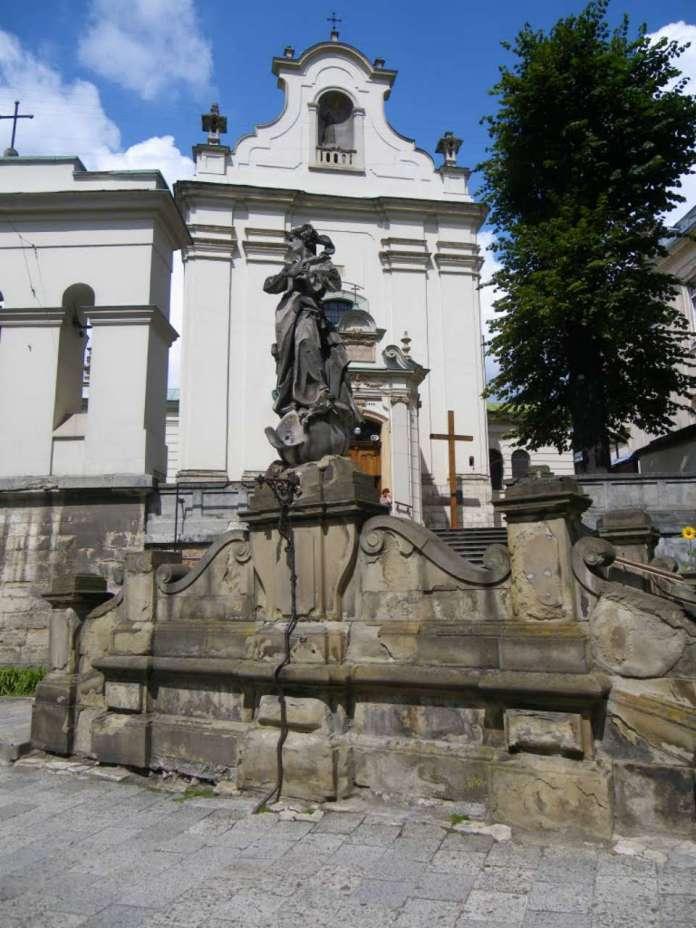 Костел св. Антонія і скульптура Непорочного Зачаття Богородиці, фото наших днів