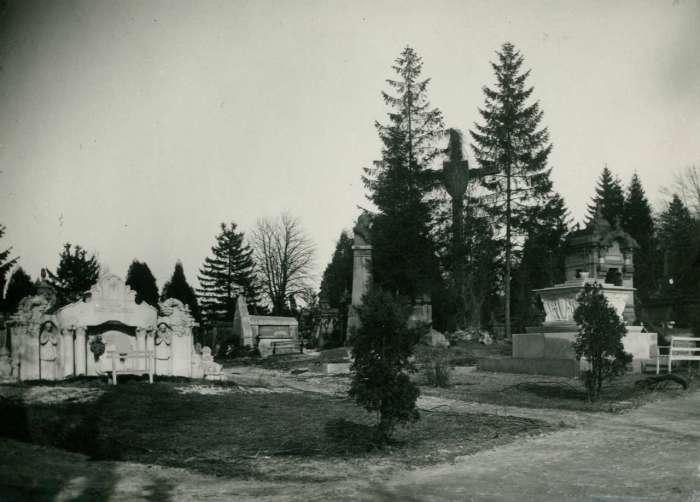 Личаківський цвинтар на фото 1925 року