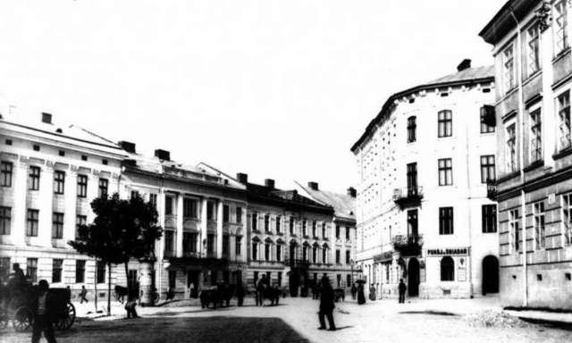 Вид від площі у напрямку вулиці Ягеллонської (нині-Гнатюка). Фото кінця XIX ст.