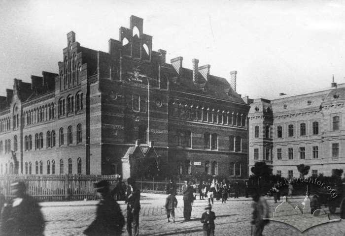 Фрагмент вулиці Казимирівської з видом на школу Святої Анни. Фото кінця XIX ст.