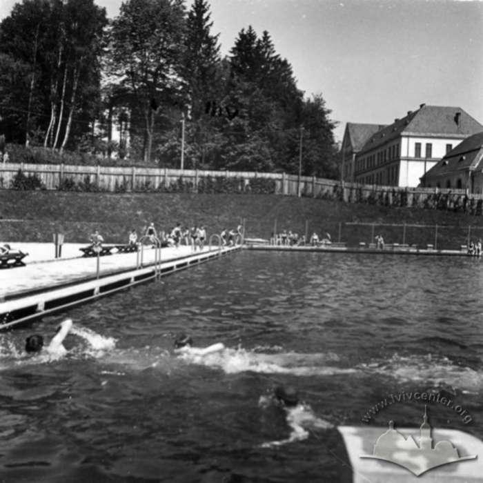 Загальний вид на басейн. Фото до 1939 року