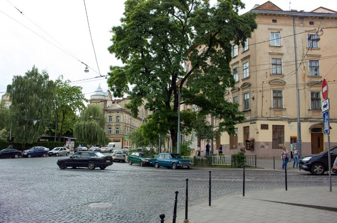 """Бордель """"На мості"""", який розташовувася за театром ім. Марії Заньковецької"""