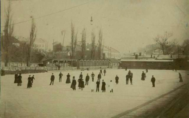 Ковзанка на ставі Собка. Фото 1910 року