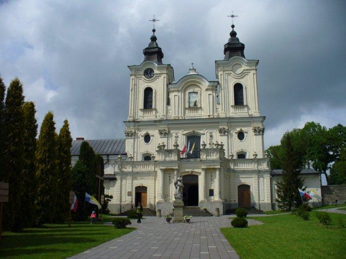 Костел отців Бернардинів у Дуклі (Польща).