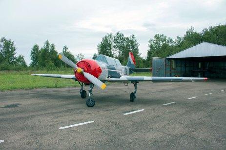 """Літак ЯК-52 на аеродромі """"Цунів"""". Фото Роман Метельський"""