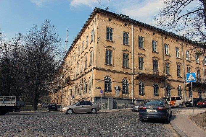 Будівля Наукового товариства імені Шевченка на вулиці Винниченка у Львові