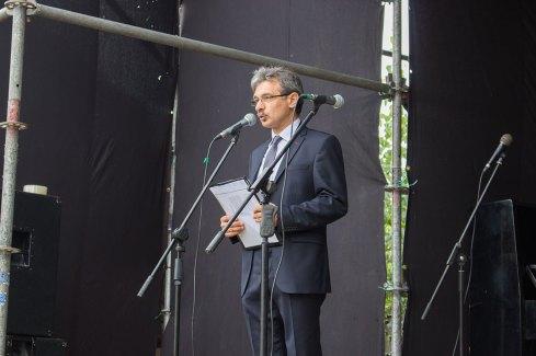 Директор Винниківського історико-краєзнавчого музею Ігор Тимець відкриває другий фестиваль кримськотатарської культури