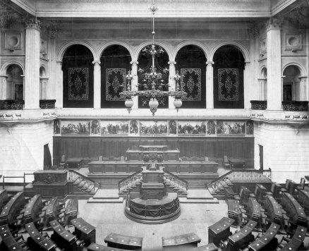 Зала засідань Галицького сойму (нині приміщення Львівського національного університету ім. І.Франка), фото 1914 року
