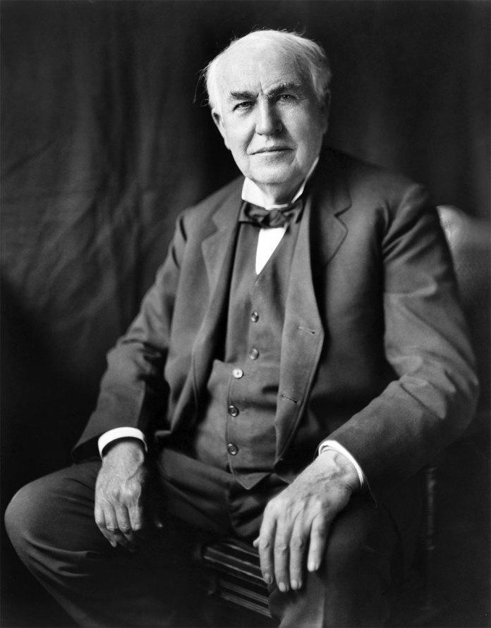 Томас Алва Едісон — американський вчений і винахідник, автор винаходів, на які видано 1093 патенти США та 1239 патентів інших країн.