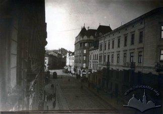"""Львів, готель """"Краківський"""", вигляд з вулиці Пекарської"""