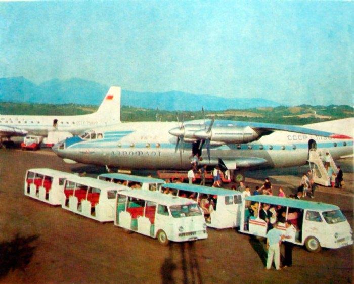 Літак Ан-10