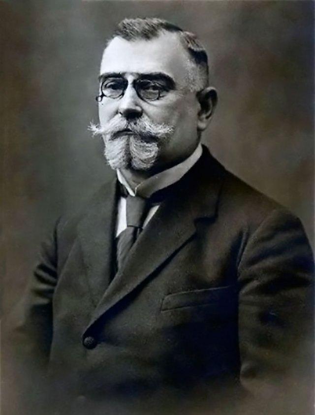 Кость Левицький