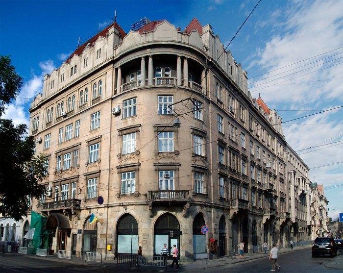 Приміщення Апеляційного суду Львівської області, що на площі Соборній,7 (колись готель «Краківський»), фото 2015 року