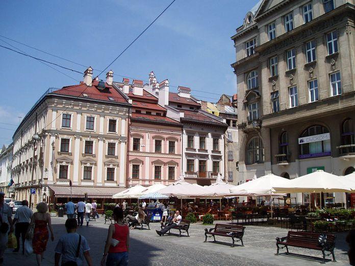 Площа Стефана Яворського у Львові