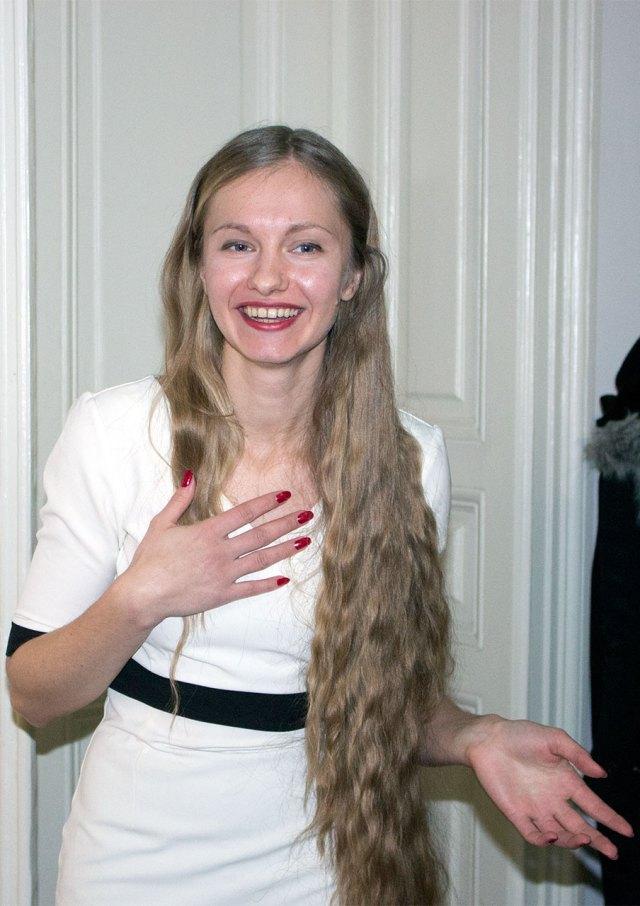 Ольга Довгань-Левицька на відкритті своєї виставки «Shine on you»